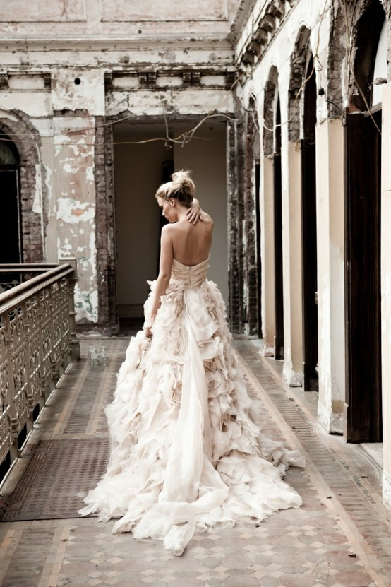Swoon Over Monique Lhuillier\'s Ruffled Wedding Gown