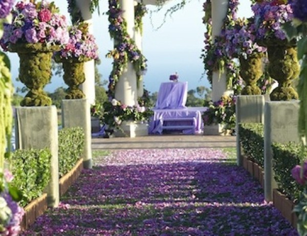 Outdoor-Wedding-Ceremony-Feature-062413