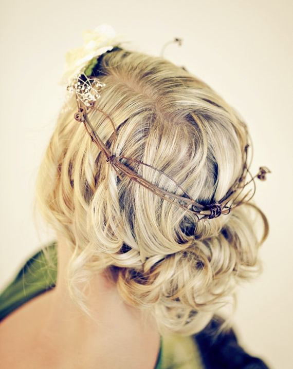 Bohemian-Wedding-Hairstyles-1-062813.png