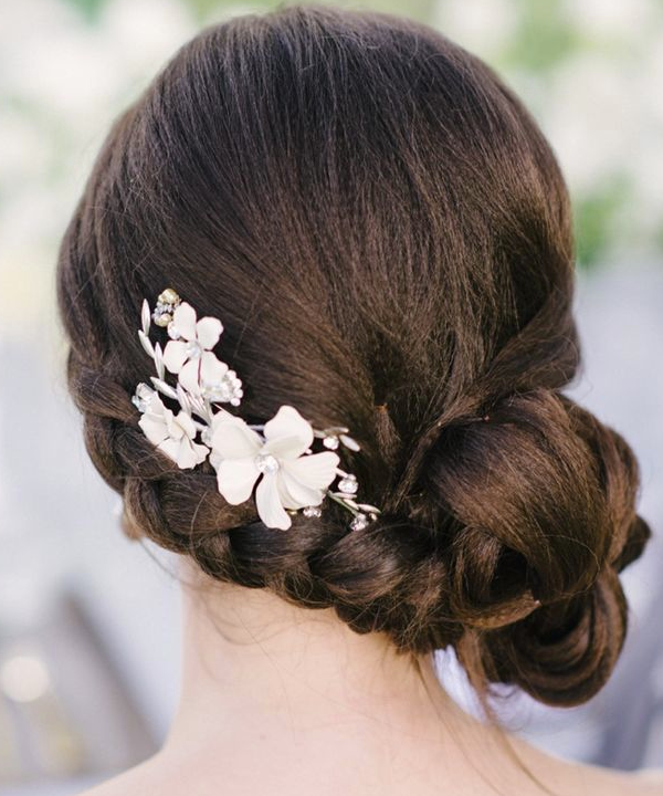 Awesome Romantic Low Bun Wedding Hairstyles We Heart Modwedding Hairstyle Inspiration Daily Dogsangcom