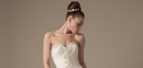 dennis-basso-wedding-dresses-feature-091213