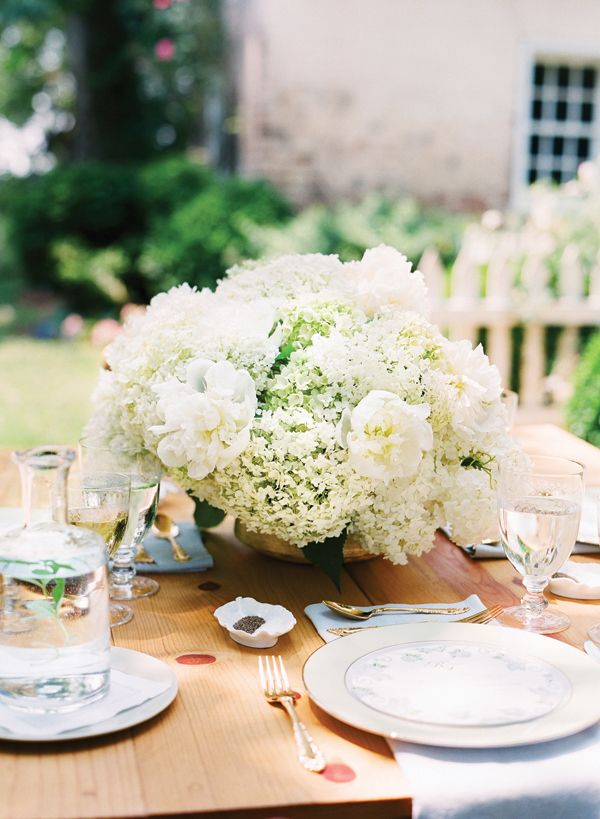 Hydrangea Centerpieces Cost : Wedding planning tip of the day on cost saving choose