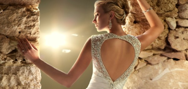stella-york-wedding-dresses-feature-101013