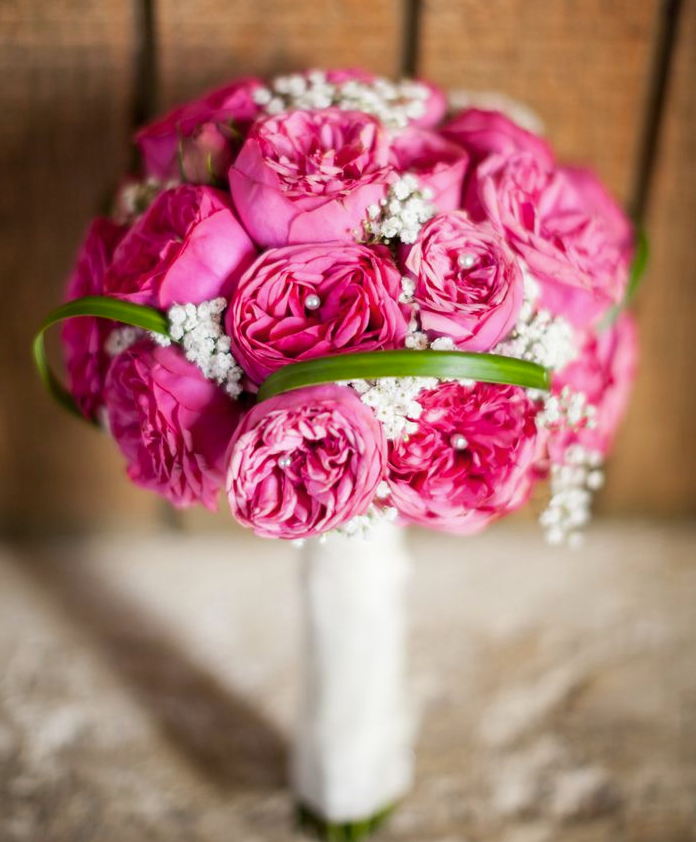 Striking bridal bouquet ideas modwedding for Bridal flower bouquets ideas