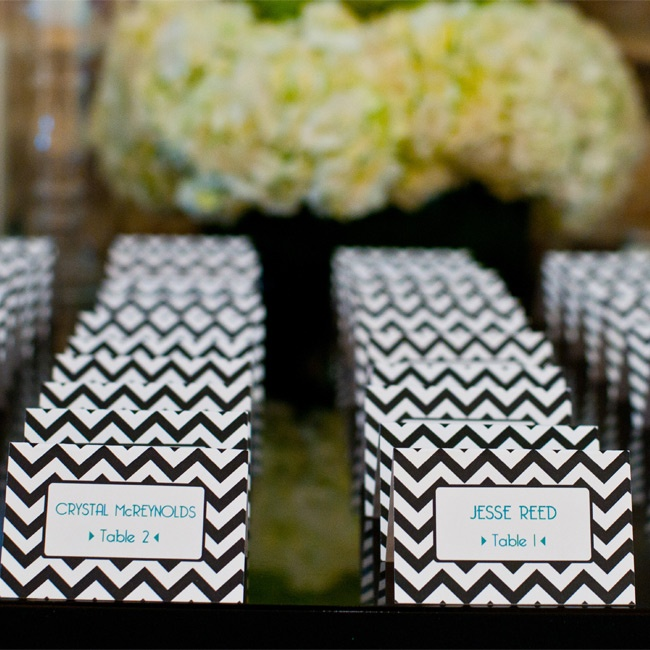 black-and-white-wedding-reception-ideas-6-123013