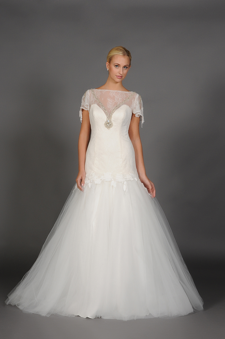 Couture collection wedding dresses affordable for Affordable couture wedding dresses