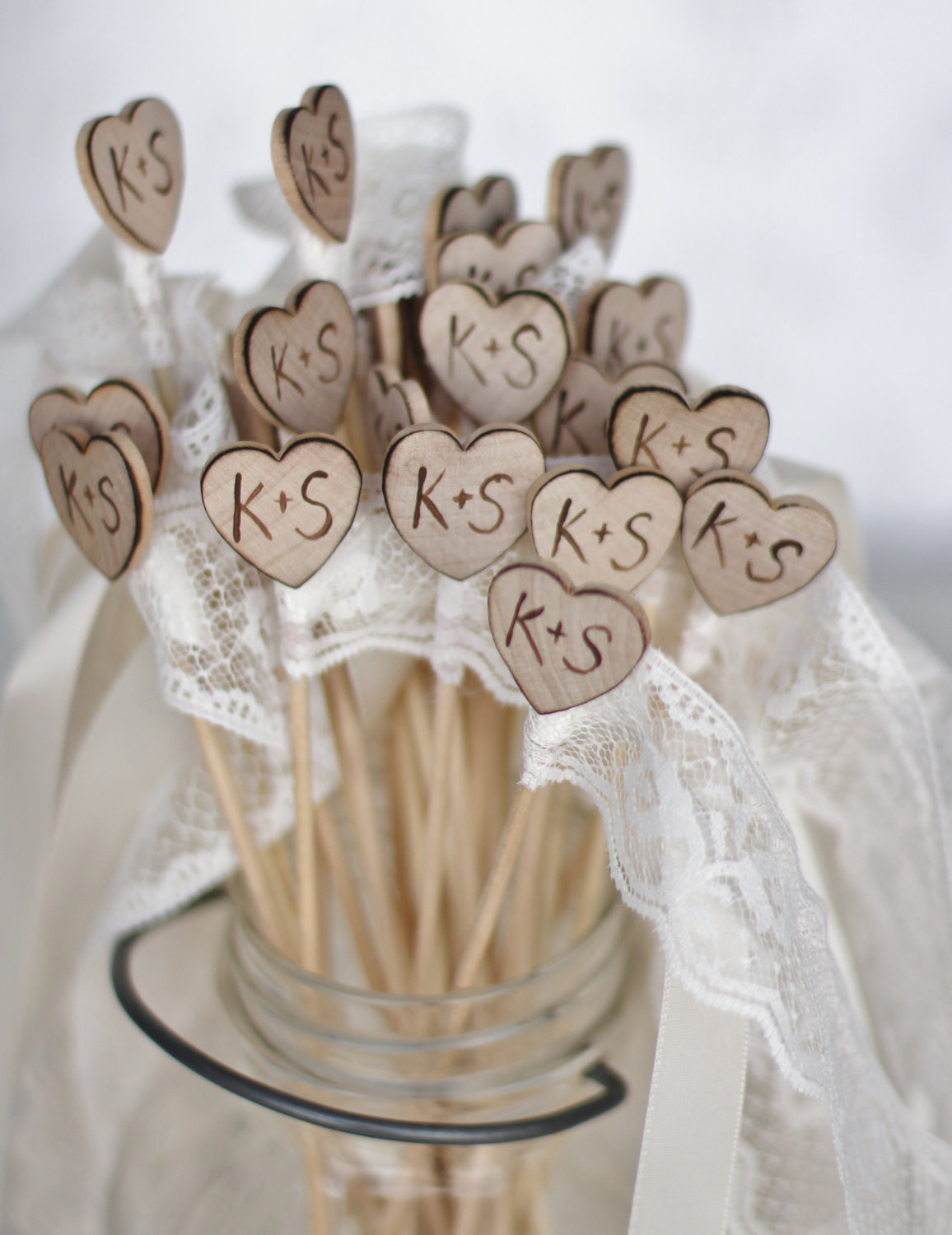 39 rustic chic wedding decoration ideas modwedding for Wedding party decorations