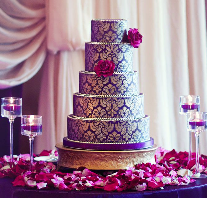 26 Elaborate Wedding Cakes with Sugar Flower Details - MODwedding