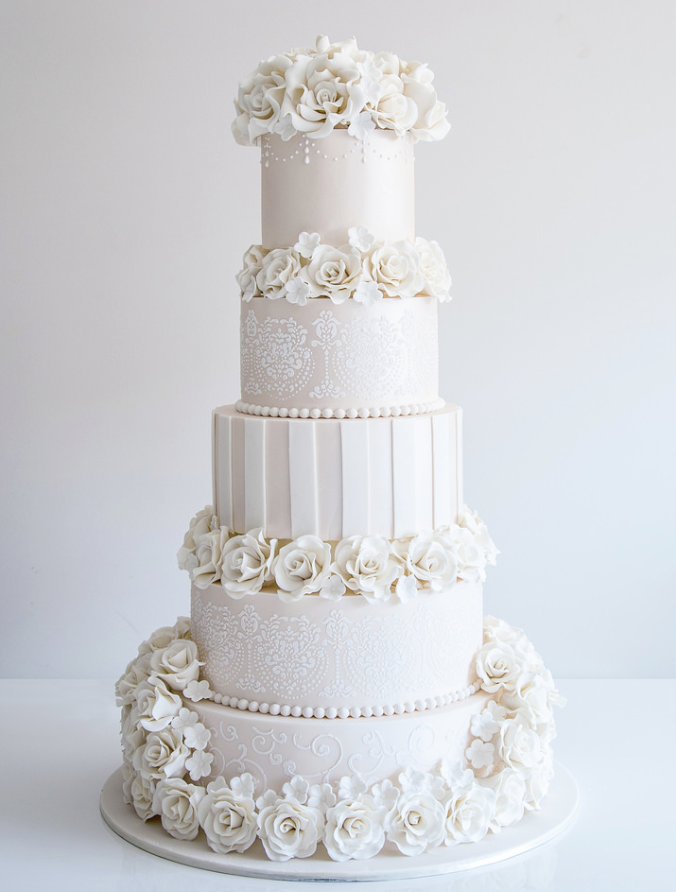 Break Tradition With These 43 Trendy Wedding Cakes