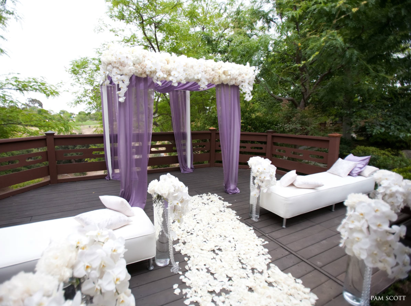 Sophisticated Contemporary Wedding Ceremony In: Artistic And Elegant Wedding Ceremony Ideas
