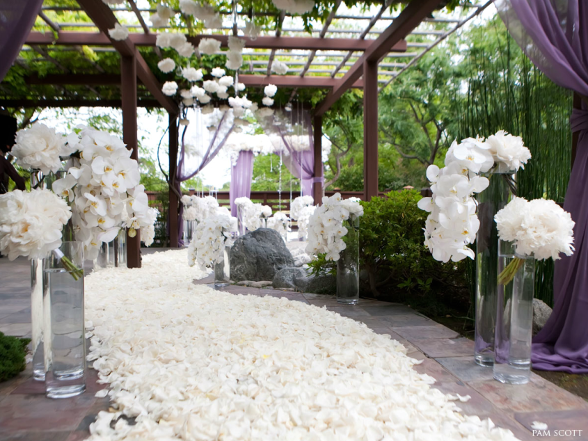 Artistic And Elegant Wedding Ceremony Ideas