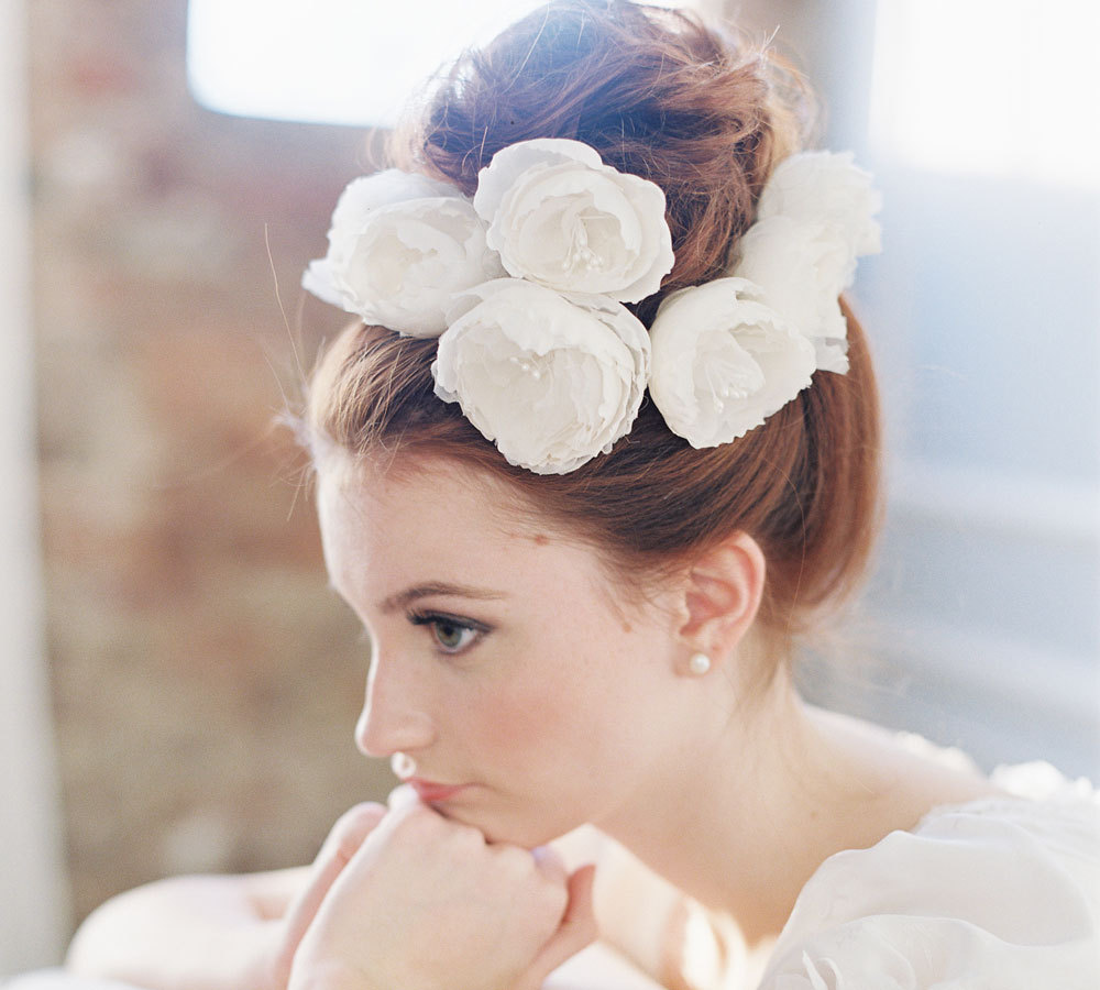 33 wedding hairstyles with most romantic hair accessories - modwedding