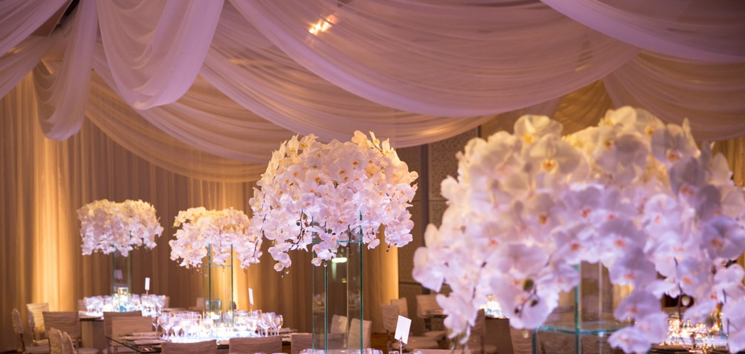 23 Chic And Beautiful Wedding Centerpiece Ideas Modwedding