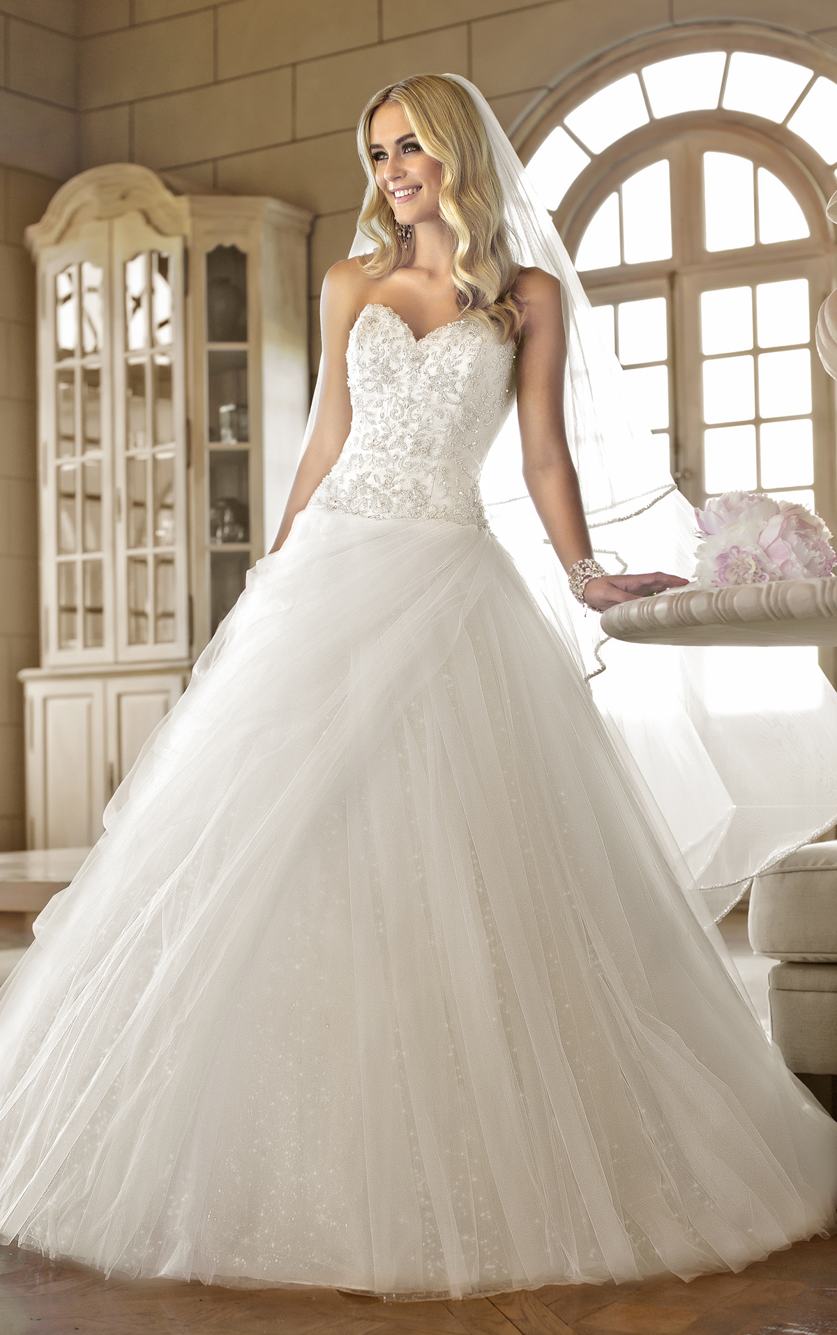 The best gowns from the most in demand wedding dress for Design wedding dress online