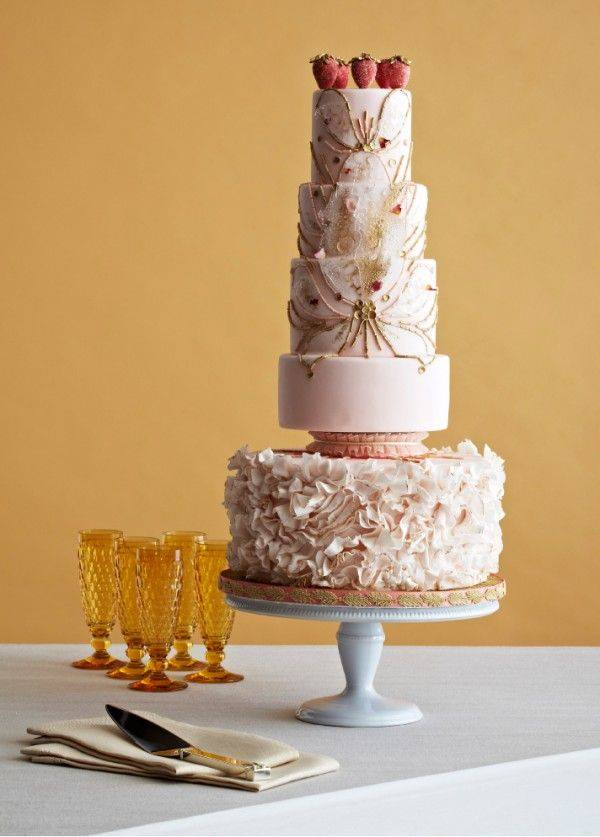 Feast your eyes on these 36 amazing wedding cakes modwedding wedding cakes 1 03272014nz junglespirit Images