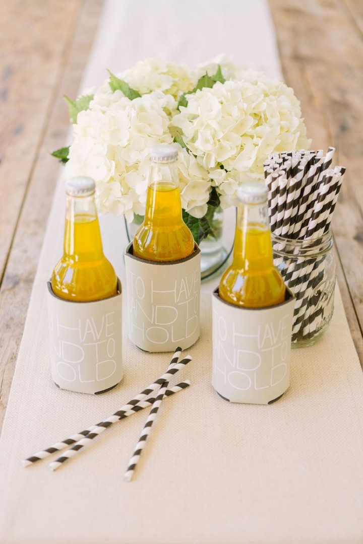 17 unique wedding favor ideas that wow your guests for Wedding favor supplies