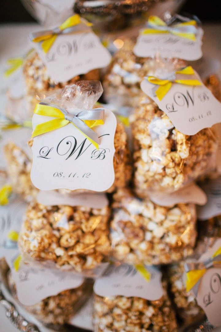 Wedding Gift Ideas For Guests Nz : 17 Unique Wedding Favor Ideas that Wow Your Guests - MODwedding