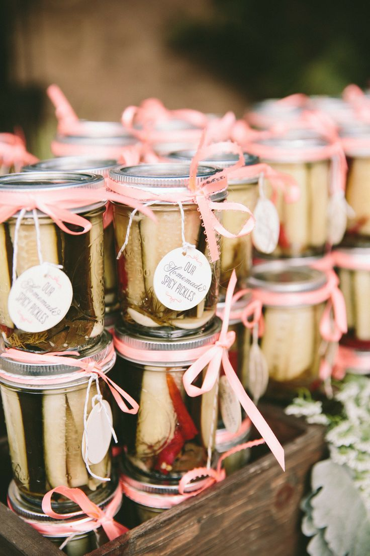 17 Unique Wedding Favor Ideas that Wow Your GuestsMODwedding