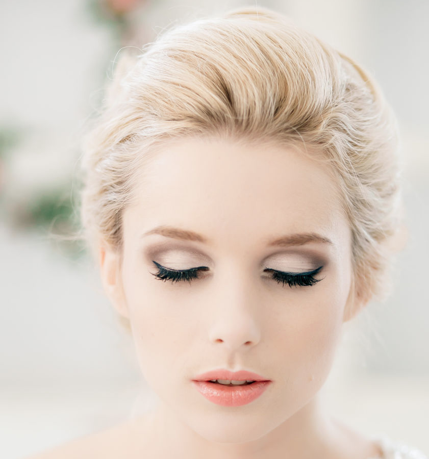 Winter Wedding Makeup Ideas : Classy and Timeless Wedding Hairstyles from Elstile ...