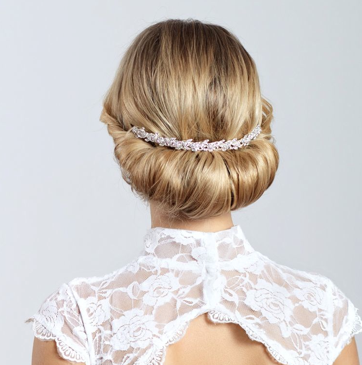 18 Creative And Unique Wedding Hairstyles For Long Hair: Classy And Timeless Wedding Hairstyles From Elstile