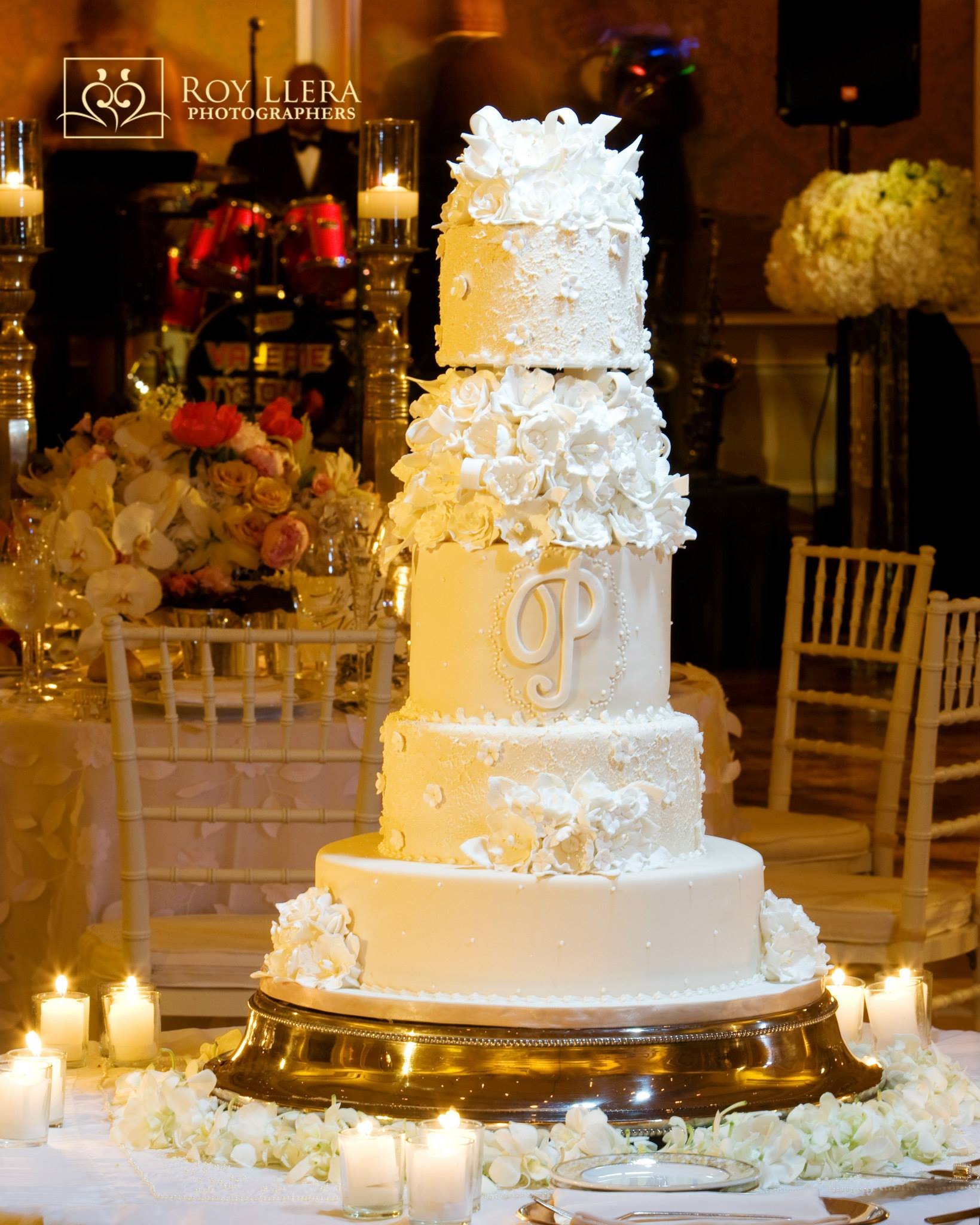 Glamorous Wedding Cakes from Elegant Temptations - MODwedding