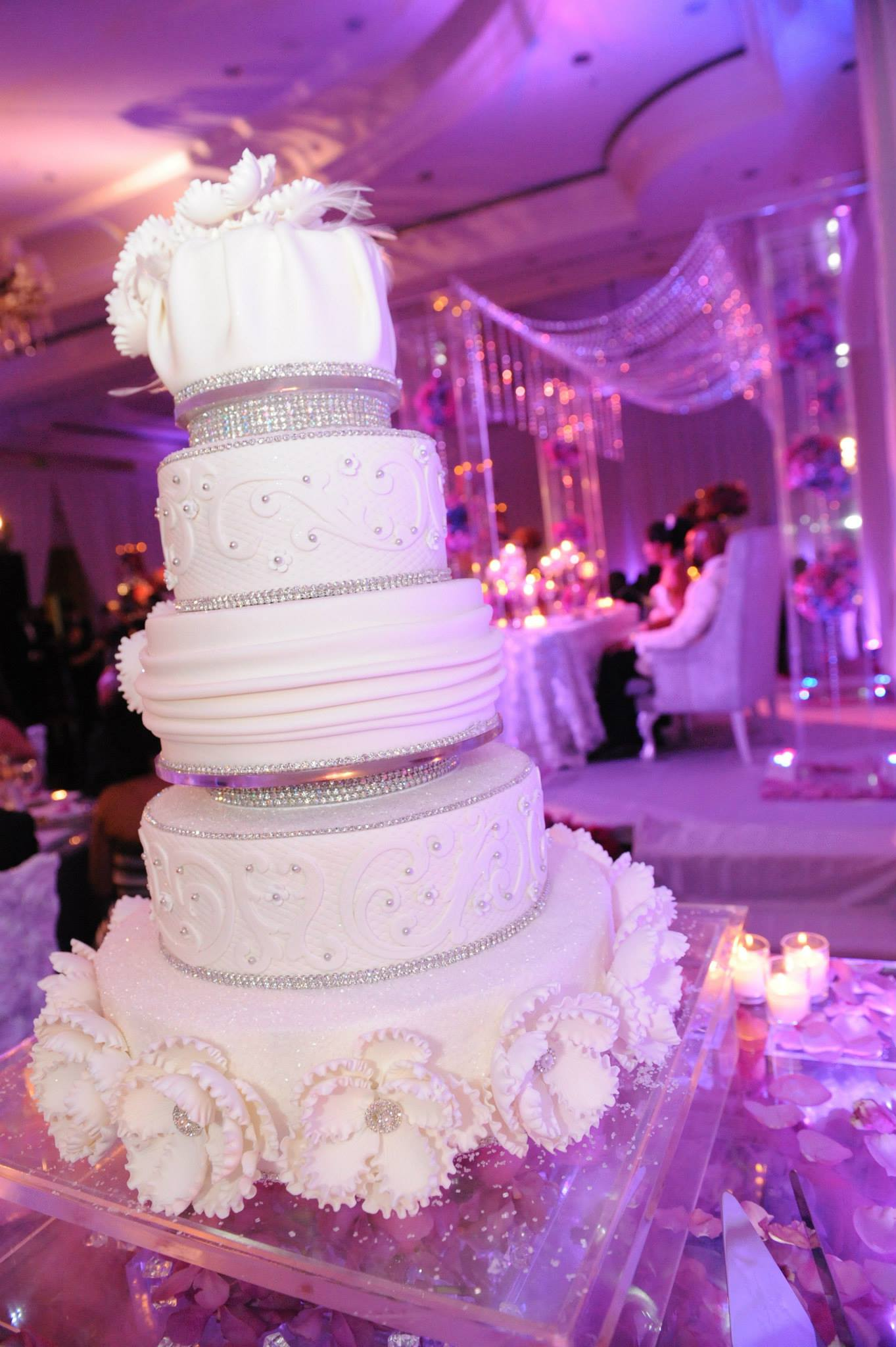 Glamorous Wedding Cakes from Elegant Temptations MODwedding