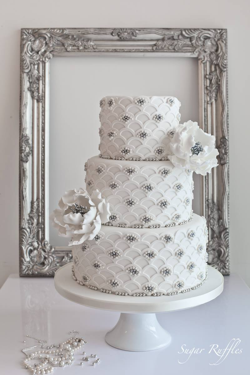 Delicate Wedding Cakes - MODwedding