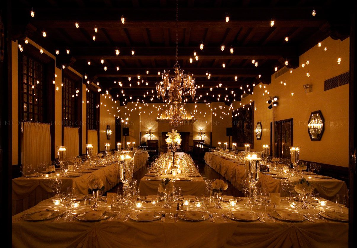 Wedding reception seating tips modwedding for Wedding reception room decoration ideas
