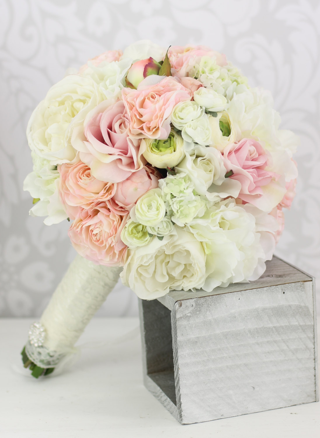 Wedding bridal bouquet inspiration modwedding for Bouquet of flowers for weddings