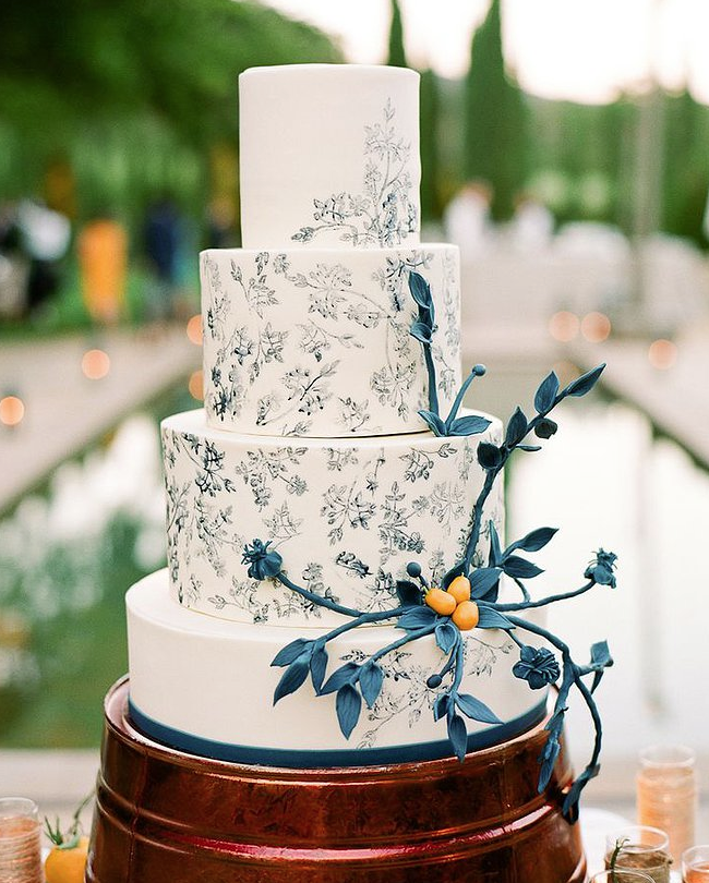 New Design For Wedding Cake : Wedding Cakes with Creative New Designs - MODwedding