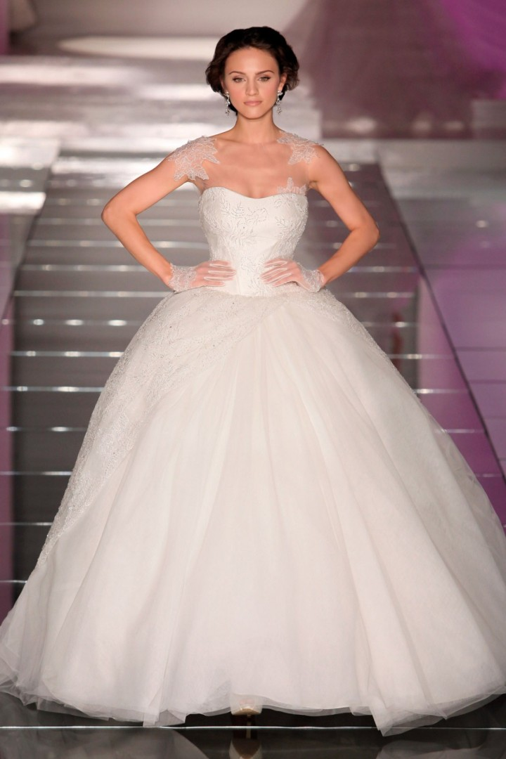 alessandra-rinaudo-wedding-dress-1-10182014