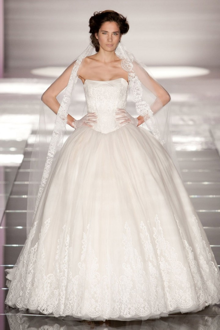alessandra-rinaudo-wedding-dress-15-10182014
