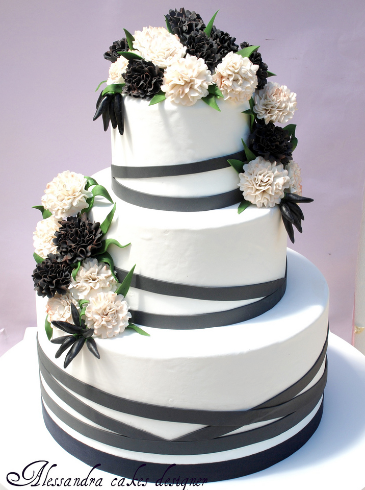 30 Most Creative And Pretty Wedding Cakes
