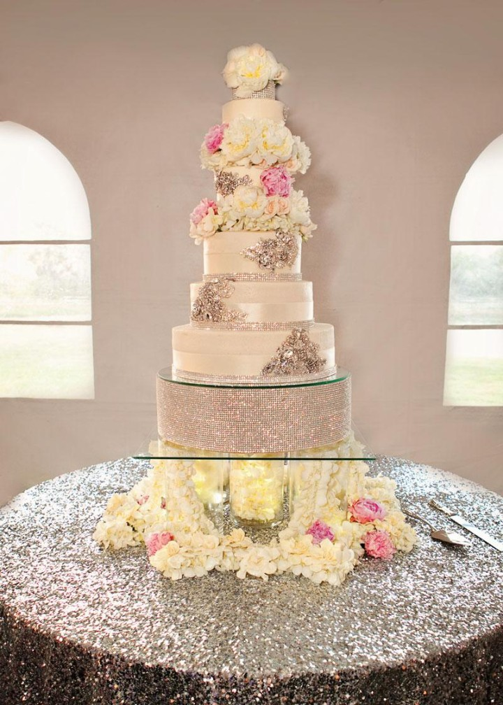 how big should a wedding cake be for 200 guests discover 36 wedding cake designs modwedding 15358