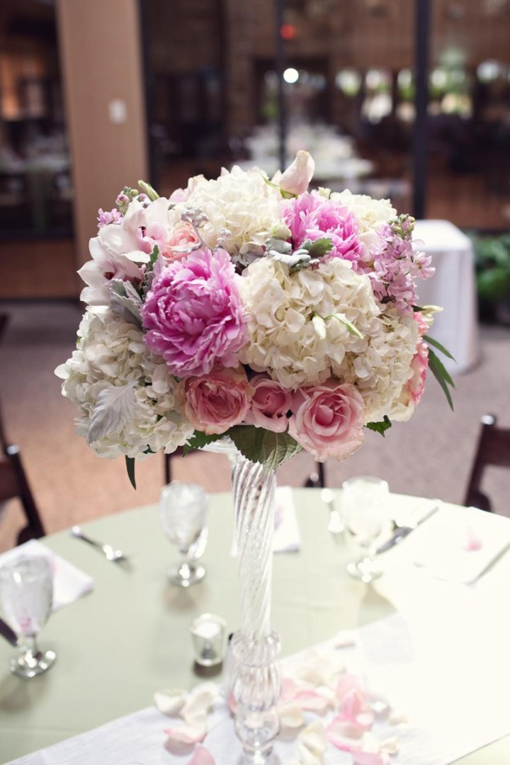 wedding centerpiecees: Romantic Floral Wedding Centerpieces
