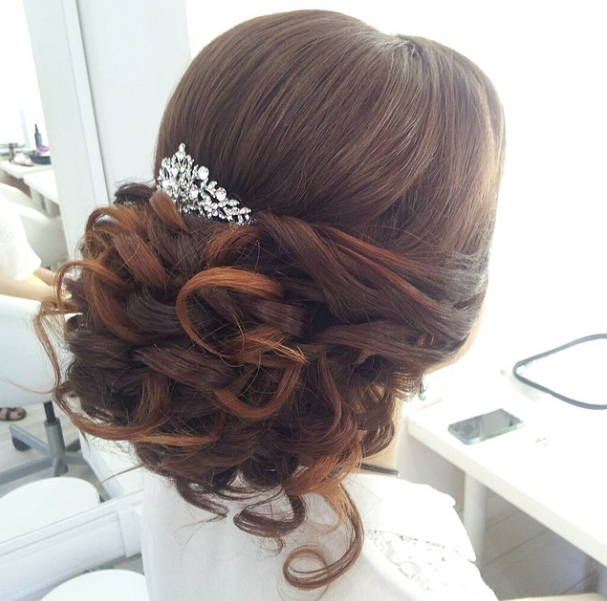Prettiest Wedding Hairstyles Every Bride Should Consider