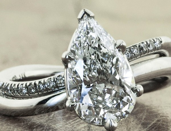 engagement-ring-feature3-11082014nz
