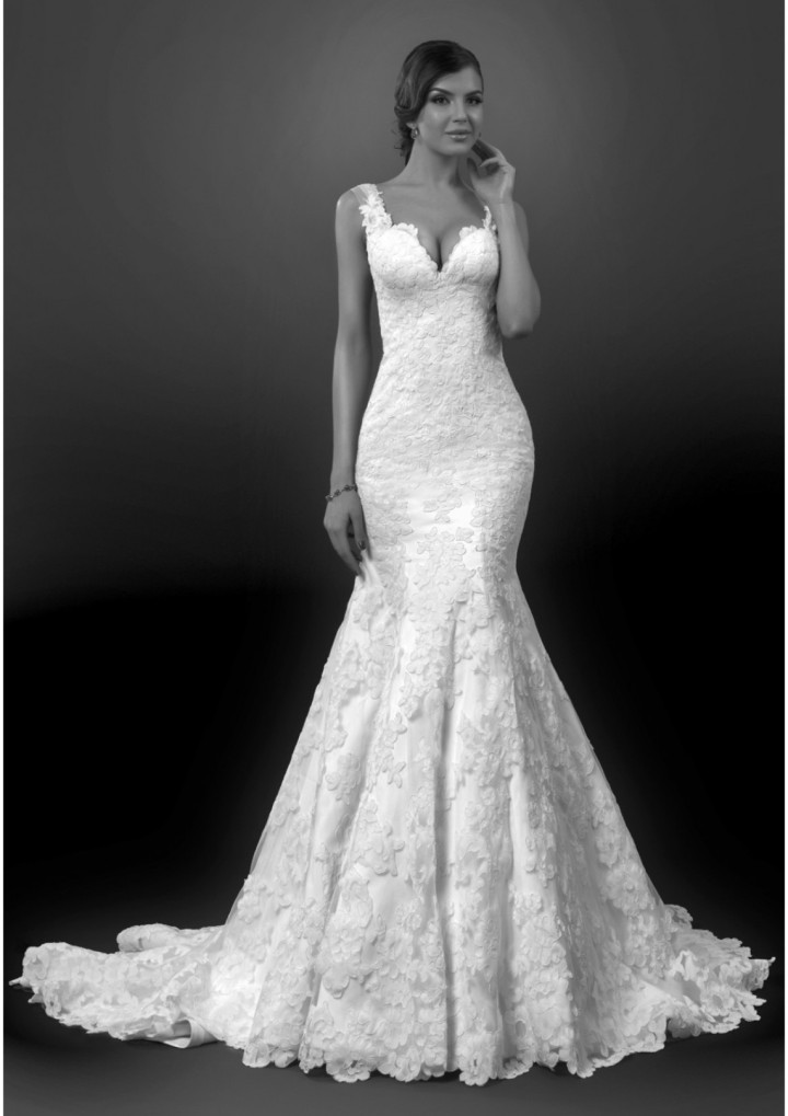 18 most beautiful wedding dresses of the week modwedding for Most sexy wedding dresses
