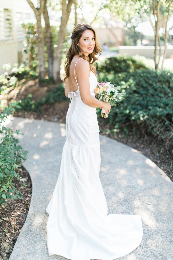 Casual chic california wedding modwedding for Elle king wedding dress designer