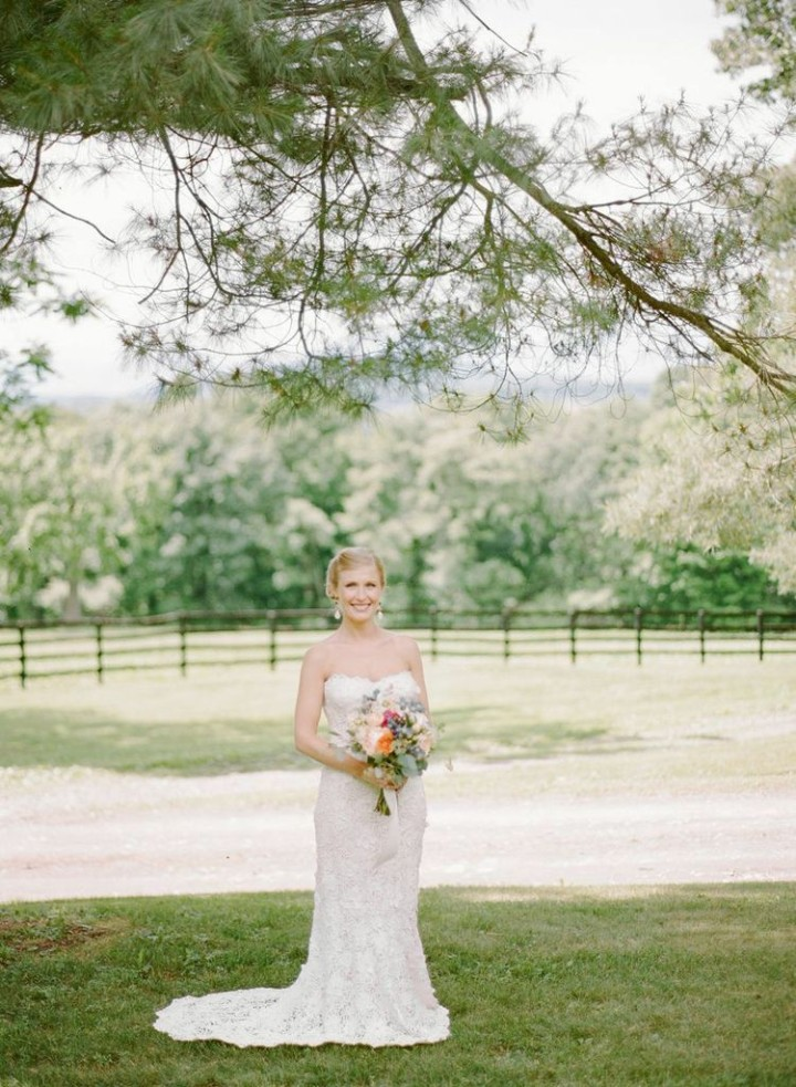 Rustic chic outdoor new york wedding at the hill from for Outdoor wedding new york