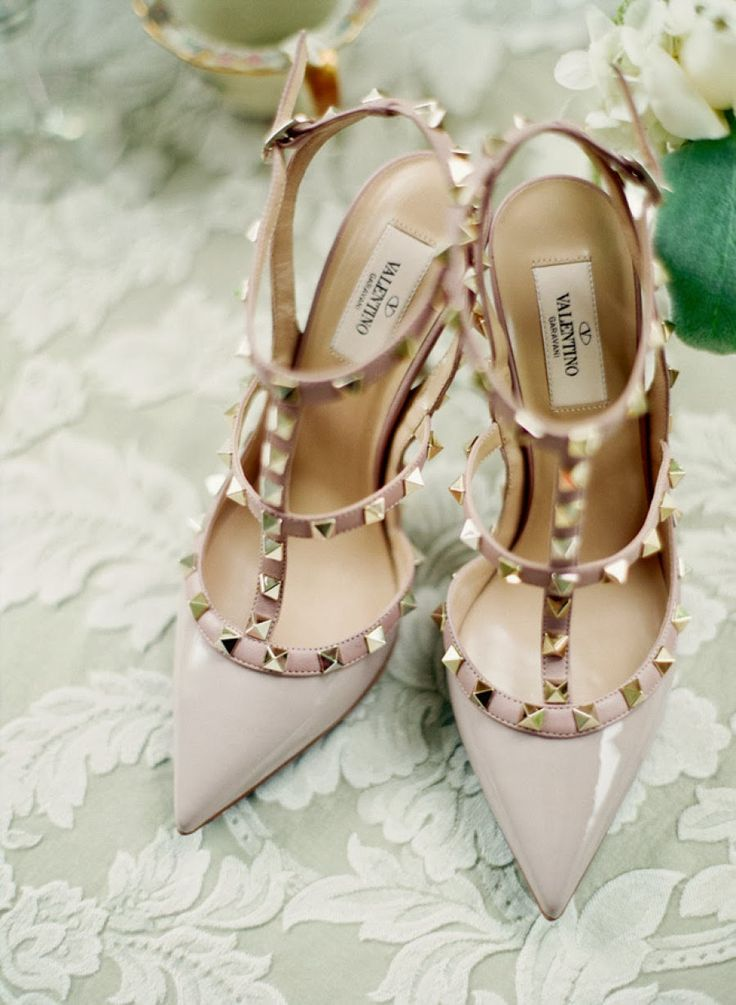 The best valentino wedding shoes to strut down the aisle junglespirit Image collections