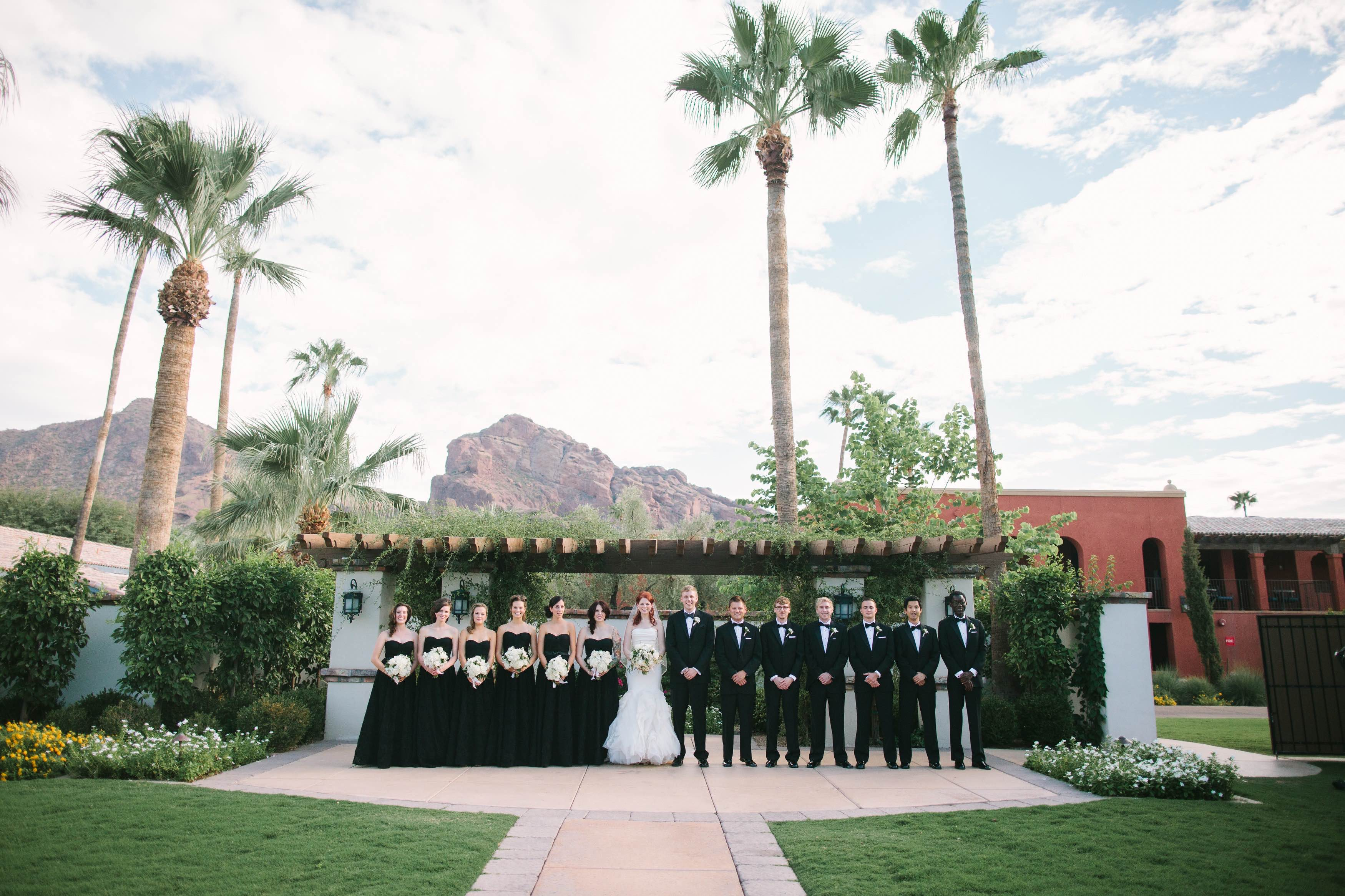 Arizona Wedding Looks Modernly Chic - MODwedding