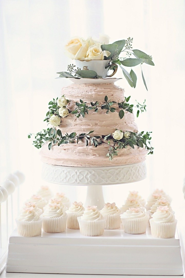 wedding-cakes-28-04162015nz