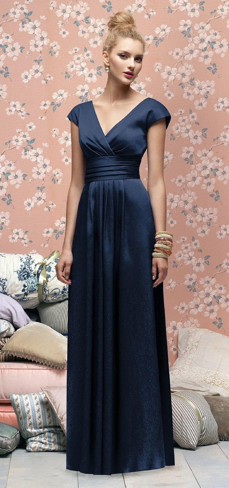 Color inspiration midnight blue and navy wedding ideas for Navy blue dresses for wedding
