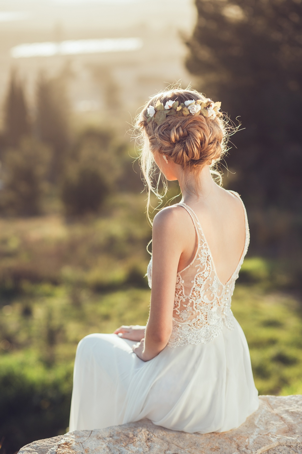 15 Wedding Hairstyles For Long Hair That Steal The Show: 20 Wedding Hairstyles For A Romantic-Glam Look