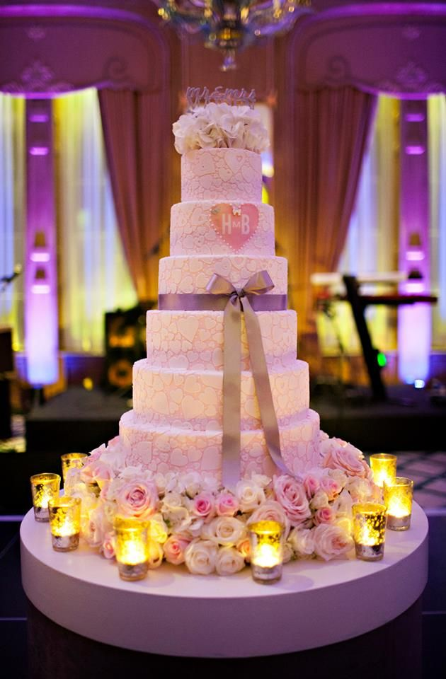 Elegantly Colored Wedding Cakes MODwedding