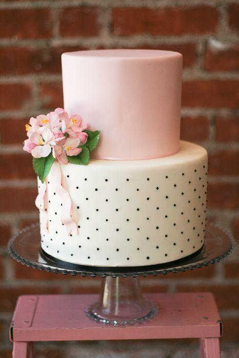 wedding-cakes-11-06132015-ky