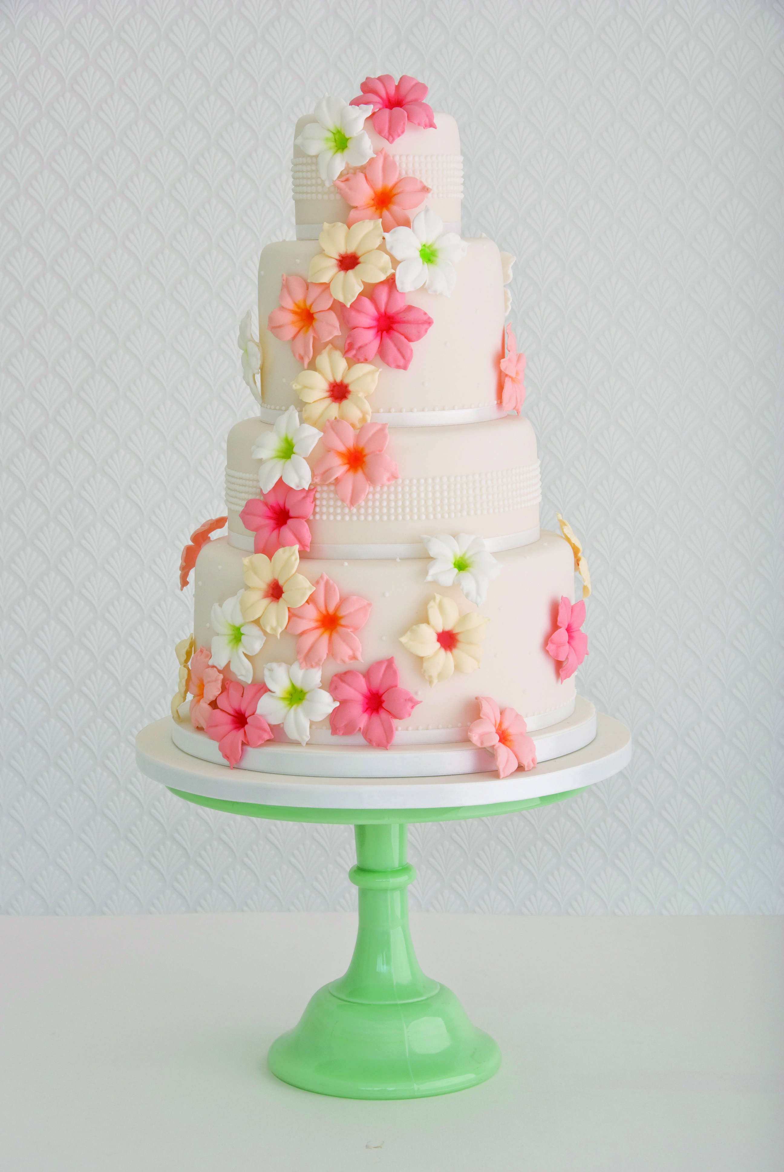 20 Seriously Unique Wedding Cakes Made with Love MODwedding