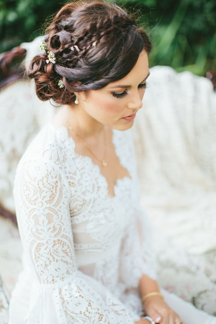 28 Wedding Hairstyles That Will Inspire - MODwedding