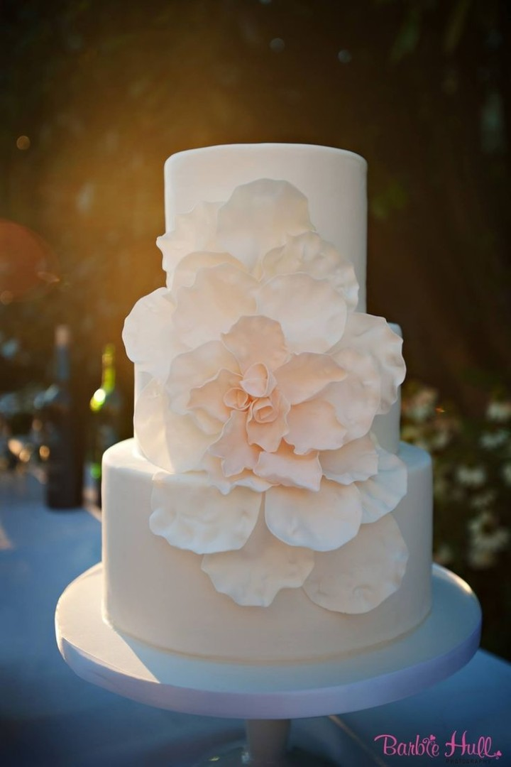 beautiful but simple wedding cakes simple wedding cakes with beautiful details modwedding 11207